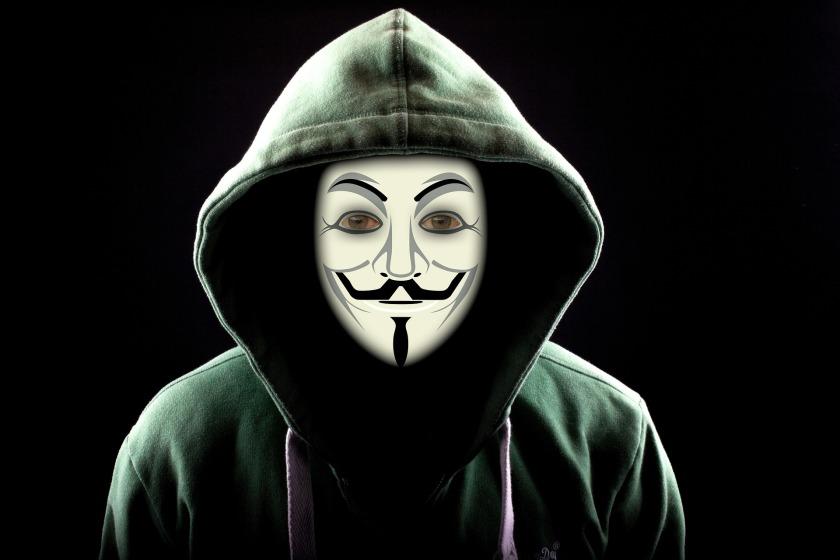 hacker-2883635_1920